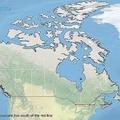 「カナダ人の半分が住んでいる地域を赤...