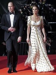 英国アカデミー賞の授賞式に登場したウィリアム王子とキャサリン妃。英ロンドンのロイヤル・アルバート・ホールにて(2020年2月2日撮影)。(c)Jeff Gilbert / POOL / AFP
