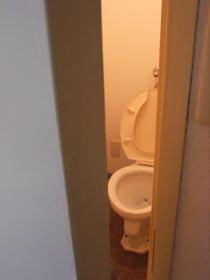 【ファンキー通信】小学校で男子トイレの個室化が進むワケ