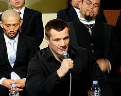 ミルコの登場に集まった300人のファンも拍手喝采!UFCとの契約に関しては「問題ない」(笹原氏談)という